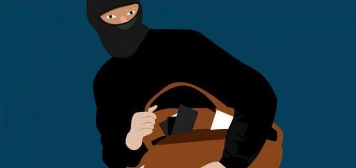 Tertangkap CCTV ketika mencuri Dokumen DPRD Karimun