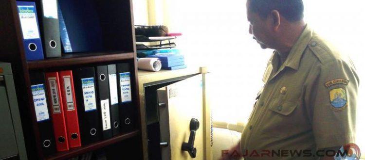 CCTV Cirebon - Terekam CCTV, Kantor Disdik Kemalingan