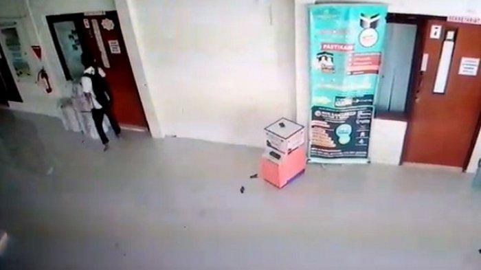 CCTV Cirebon Zona CCTV - pelaku-pencurian-di-masjid-istiqamah-balikpapan